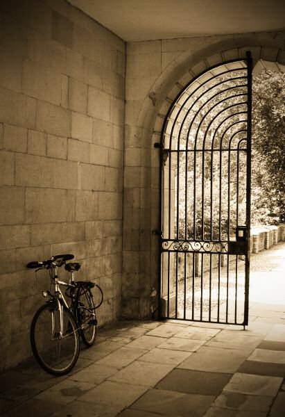 Bicycle in archway, Clare College
