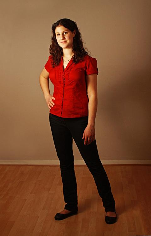 Full length photo of Julia
